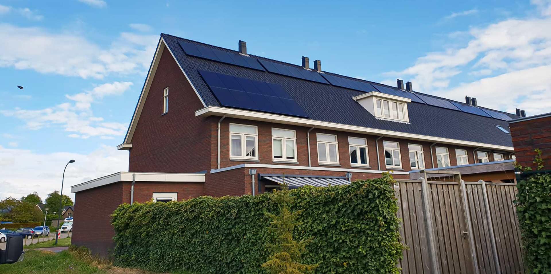 Zonnepanelen installateur noord-holland - Zonnepanelen op daken huizen - Multi energy solutions